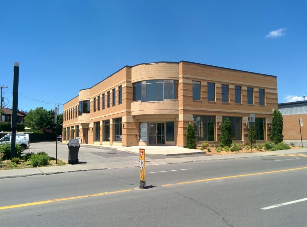 Un bâtiment complet en pellicule solaire
