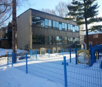 Pellicule de sécurité pour une école