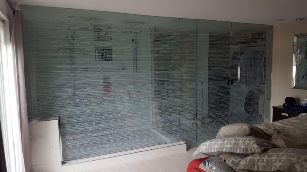 Pellicule décorative / salle de douche